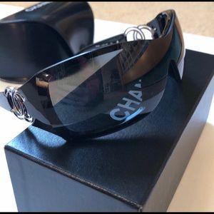 Authentic Ladies Chanel Sunglasses